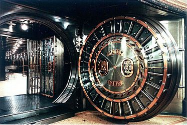 A Fichet-Bauche bank vault door