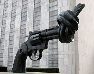 UN peace sculpture-knotted gun.